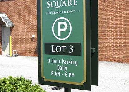 Exterior parking sign for Medina Square in Medina Ohio